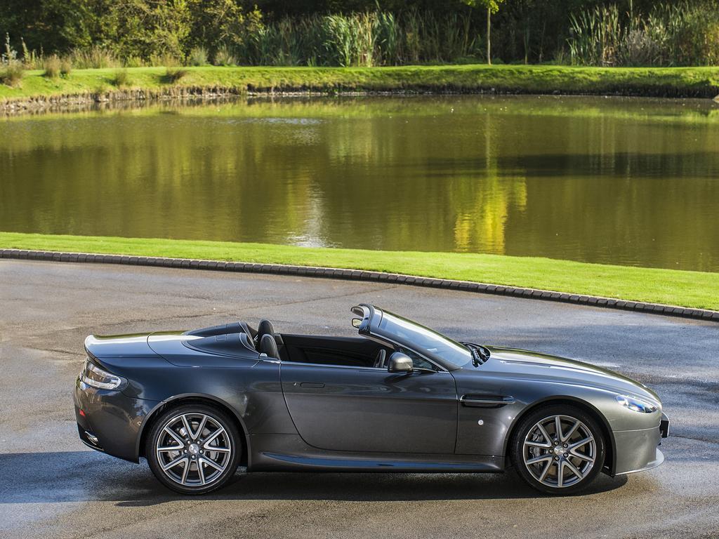 Aston Martin V8 Vantage Roadster Gd18104 Tom Hartley Jnr